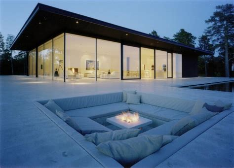 Minimalist Summer House with Cozy Outdoor Space – Överby