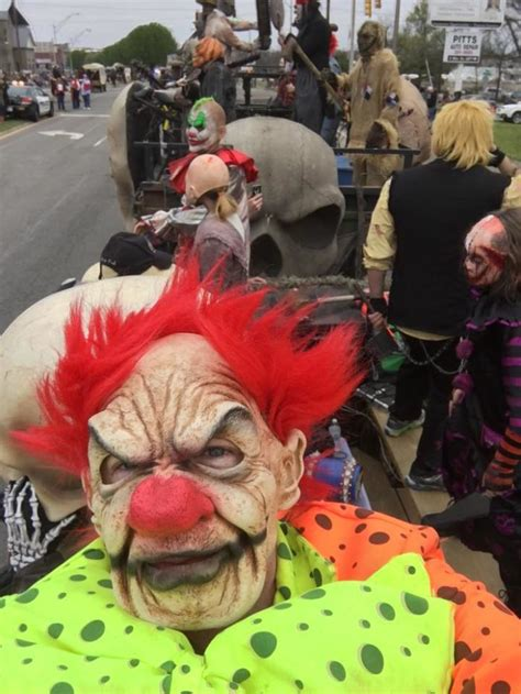 5 Haunted Hayrides In Tennessee in 2017