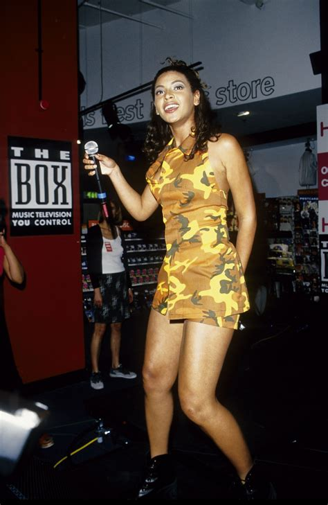 10 Best '90s Trends That Are Still Popular Today | Teen Vogue
